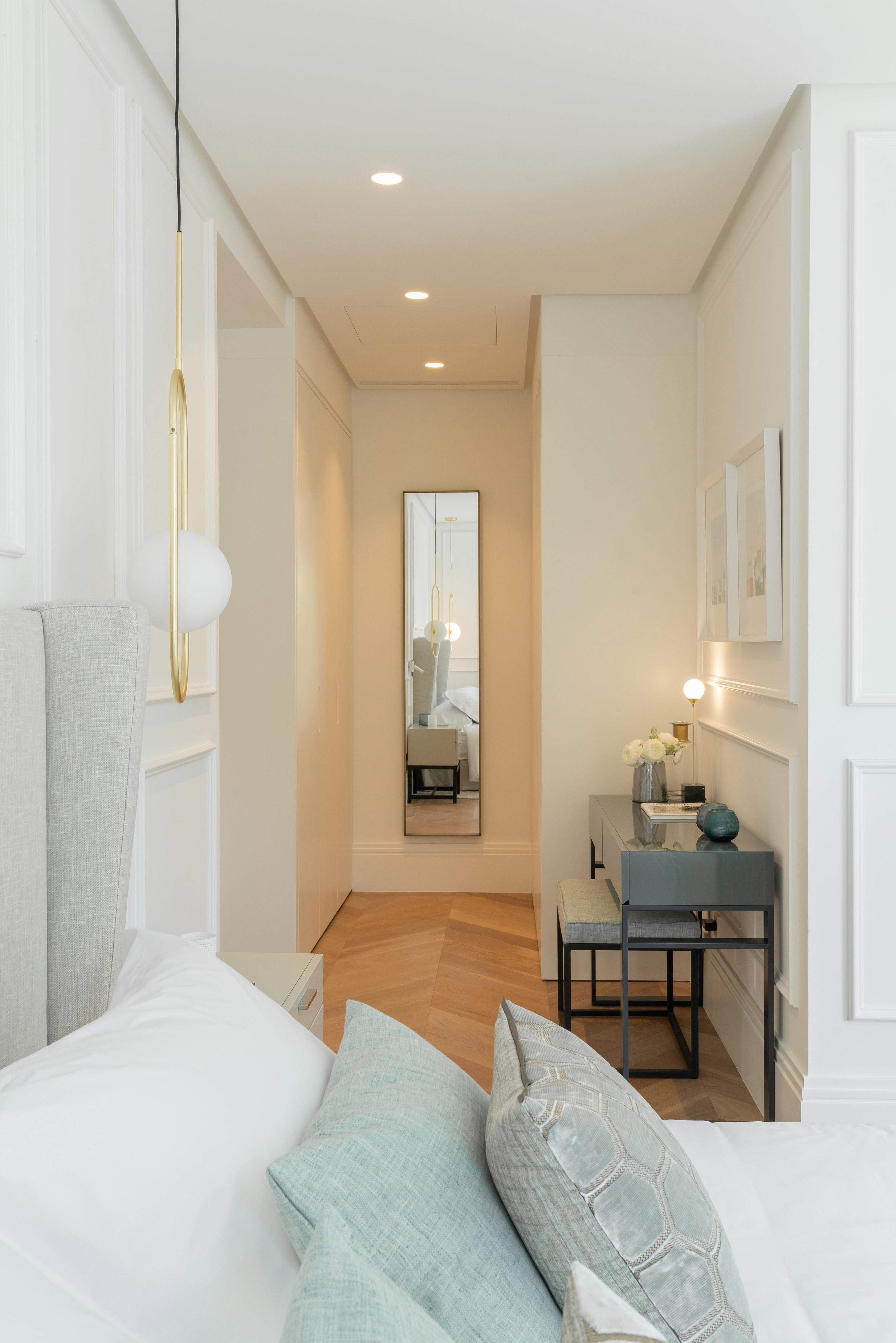 diseño interior marbella dormitorio entrada detalles