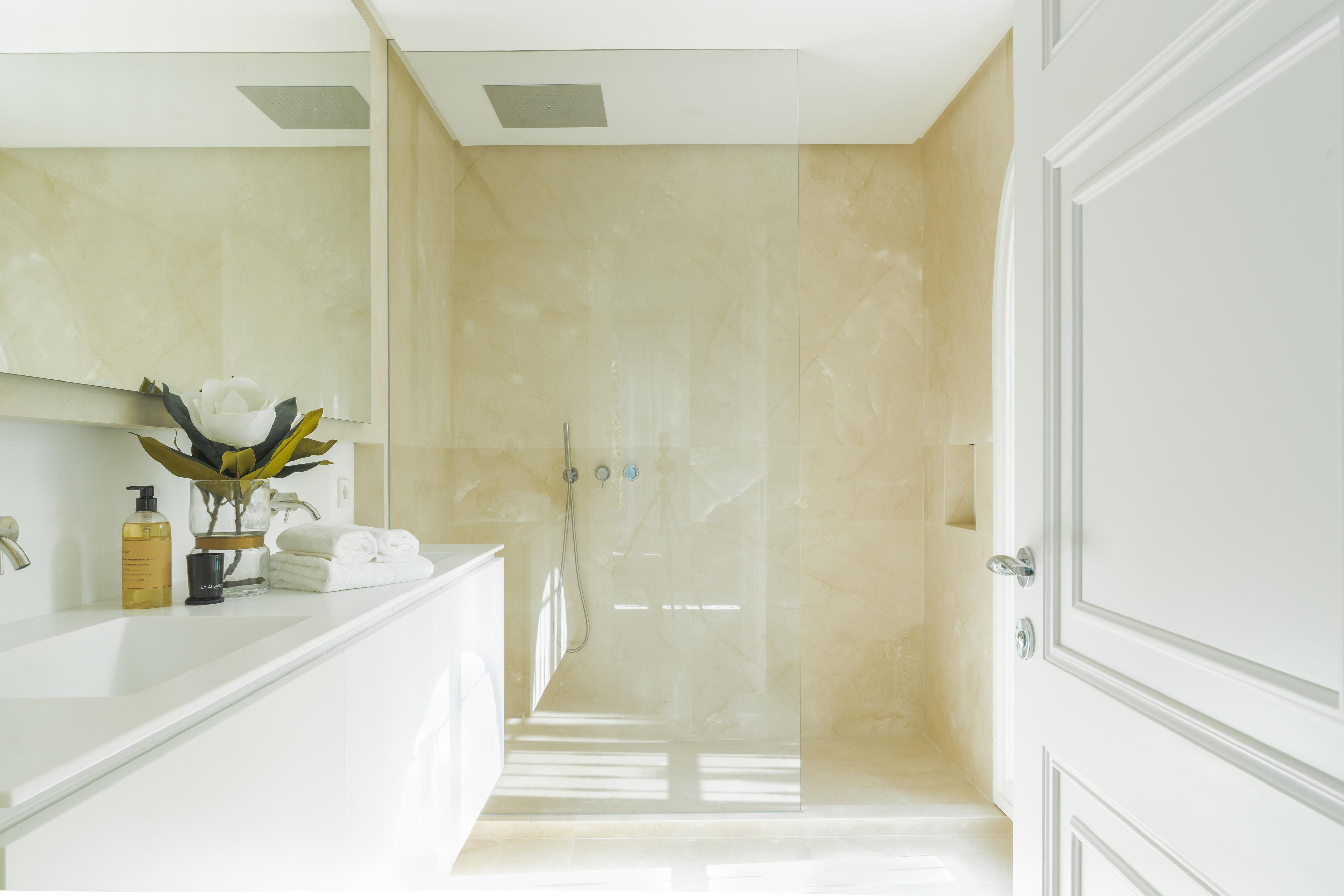diseño interior marbella baño
