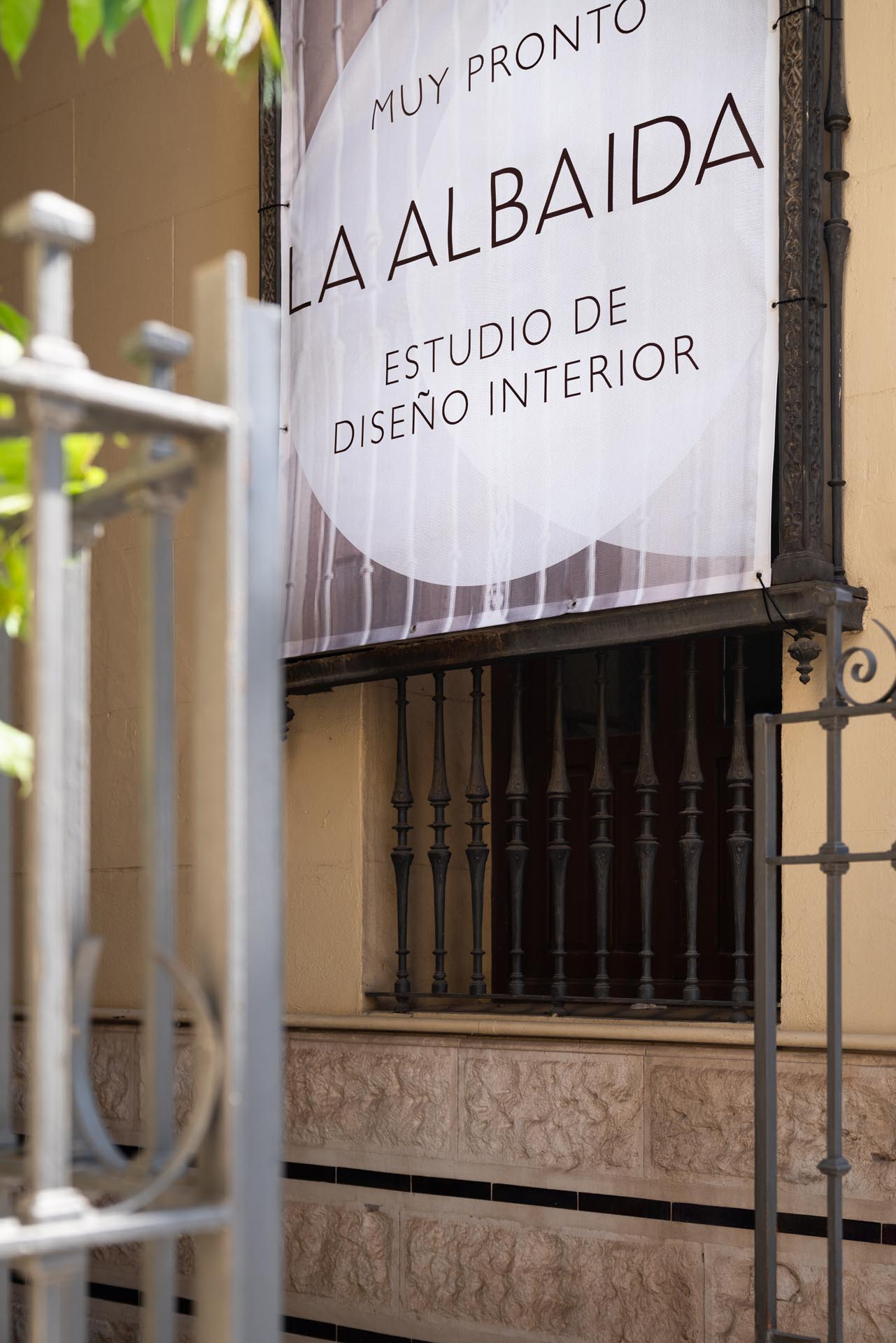 estudio interiorismo malaga La Albaida nuevo showroom detalles fachada